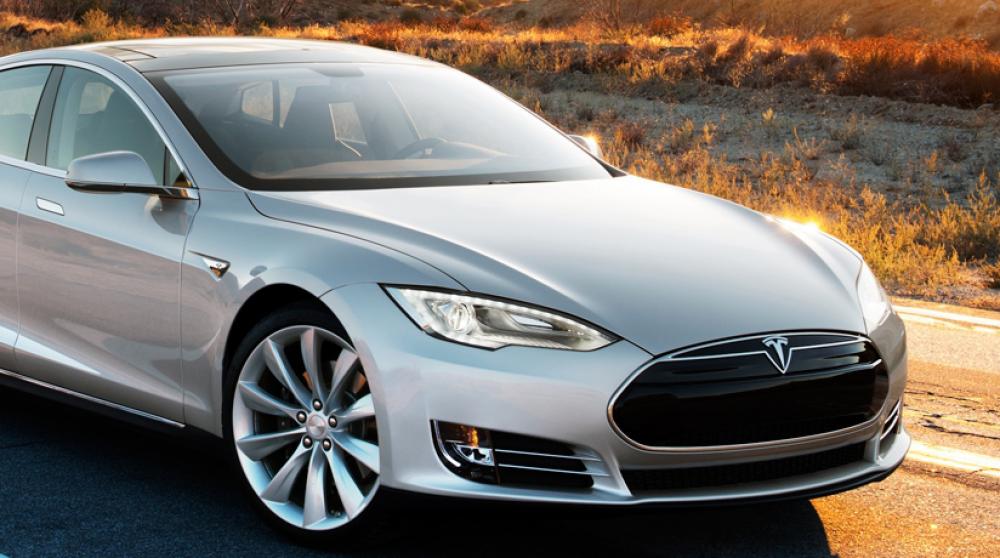 Tesla: Επώνυμη φωτιά στο Λος Άντζελες