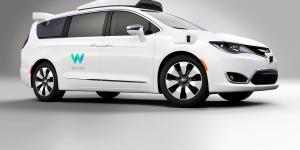 Τα αυτόνομα ταξί της Waymo έγιναν ανάρπαστα