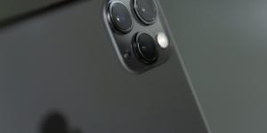 H Apple θα επιτρέπει στους κατόχους iPhone την επιλογή εφαρμογών τρίτων ως default apps