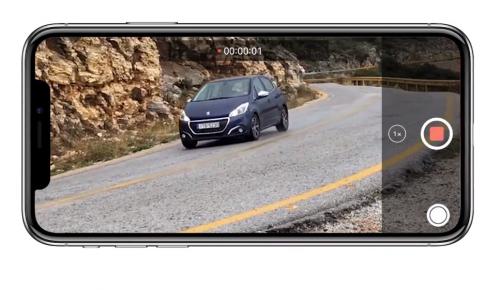 Όταν το iPhone X συνάντησε το Peugeot 208