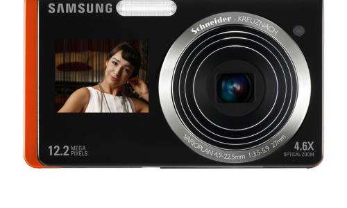 Φωτογραφική με δύο οθόνες από τη Samsung