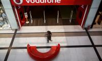 Όμιλος Vodafone: προχωράει σε αναδιοργάνωση του δικτύου λιανικής