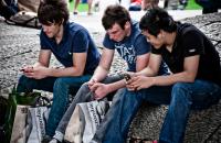 Οι συνδρομητές κινητής τηλεφωνίας θα ξεπεράσουν τα 5 δισ. μέσα στο 2017
