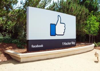 Rupert Murdoch: αναξιόπιστο το Facebook