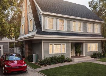 Ηλιακές οροφές από την Tesla