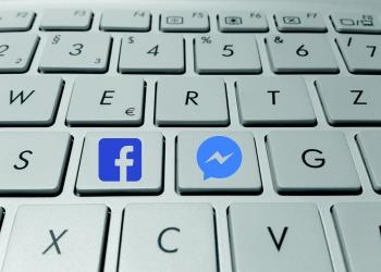 Βρετανικό πρόστιμο-χάδι στο Facebook για την Cambridge Analytica