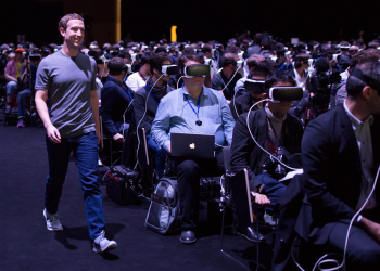 Το σκάνδαλο της Cambridge Analytica ταρακουνάει το Facebook
