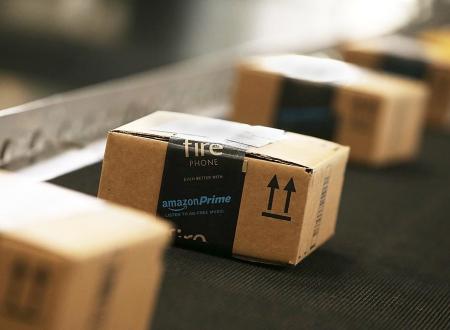 Περισσότερα από 100 εκατομμύρια προϊόντα πούλησε σε μια μέρα η Amazon