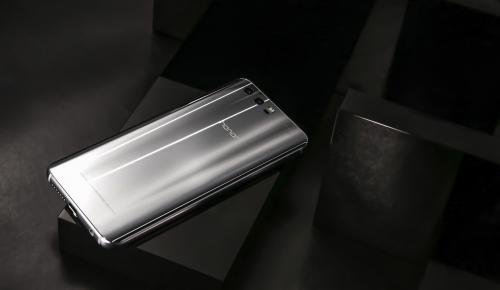 Honor 9: ένα smartphone γεμάτο εκπλήξεις