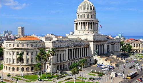 Airbnb: ανοίγει σε όλους η Κούβα
