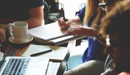 Μεγάλες διαφορές στις αμοιβές του ανθρώπινου δυναμικού των startups στην Ευρώπη