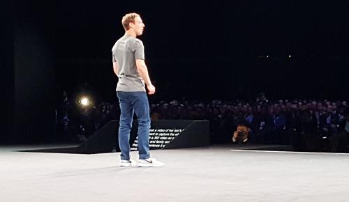 Social media σε virtual reality οραματίζεται ο Mark Zuckerberg