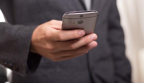 Σημάδια ανάκαμψης από την ελληνική αγορά κινητής τηλεφωνίας