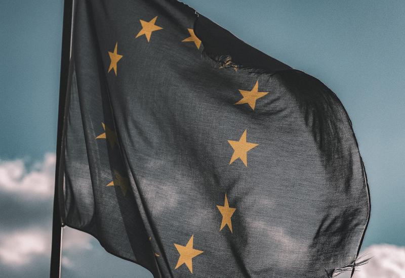 Απειλή ευρω-φόρου στους 'μεγάλους' του Internet
